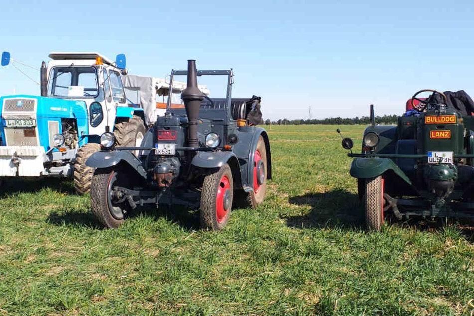 Auch auf Traktoren ging es übers Feld in Kitzen bei Leipzig.