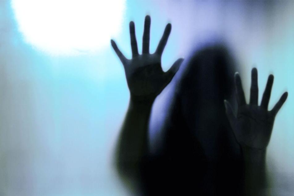 Grausamer Mord: Schülerin (†18) von vier Frauen bei lebendigem Leib mit Benzin übergossen und angezündet
