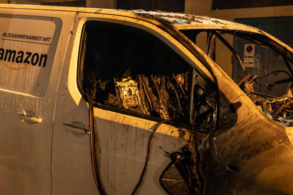 Brandanschläge auf Lieferwägen: Amazon weiter im Fadenkreuz!