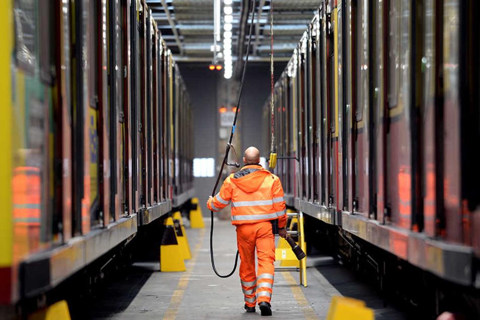 Stillstand in der Werkstatt: Ohne neue Radsätze dürfen die Züge nicht auf die Strecke.