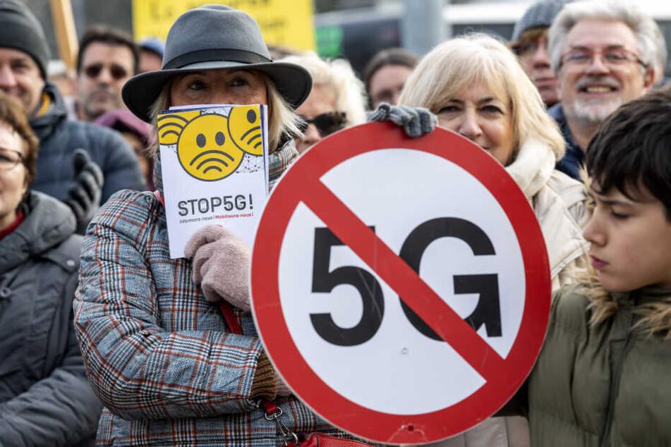 Demonstranten beim Protesttag gegen 5G.