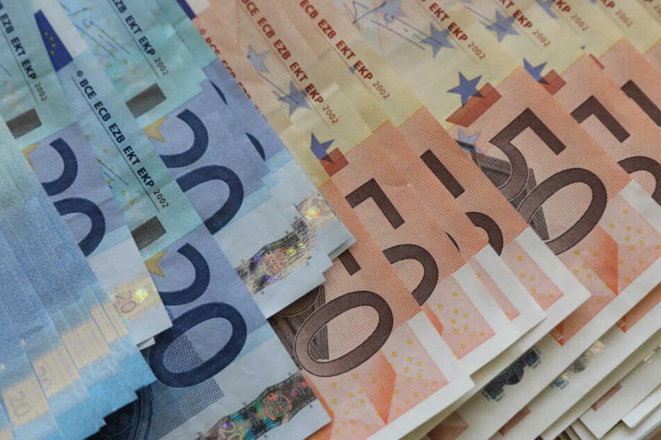 Insgesamt flossen 132.005,52 Euro aus der Schweiz. (Symbolbild)