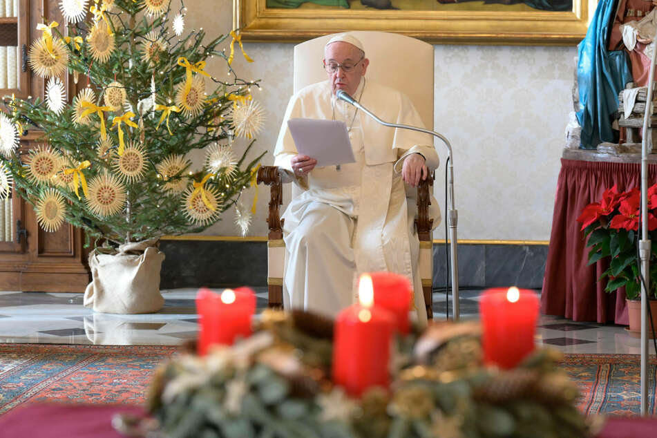 Pope Francis to celebrate pandemic Christmas Eve Mass in St. Peter's Basilica