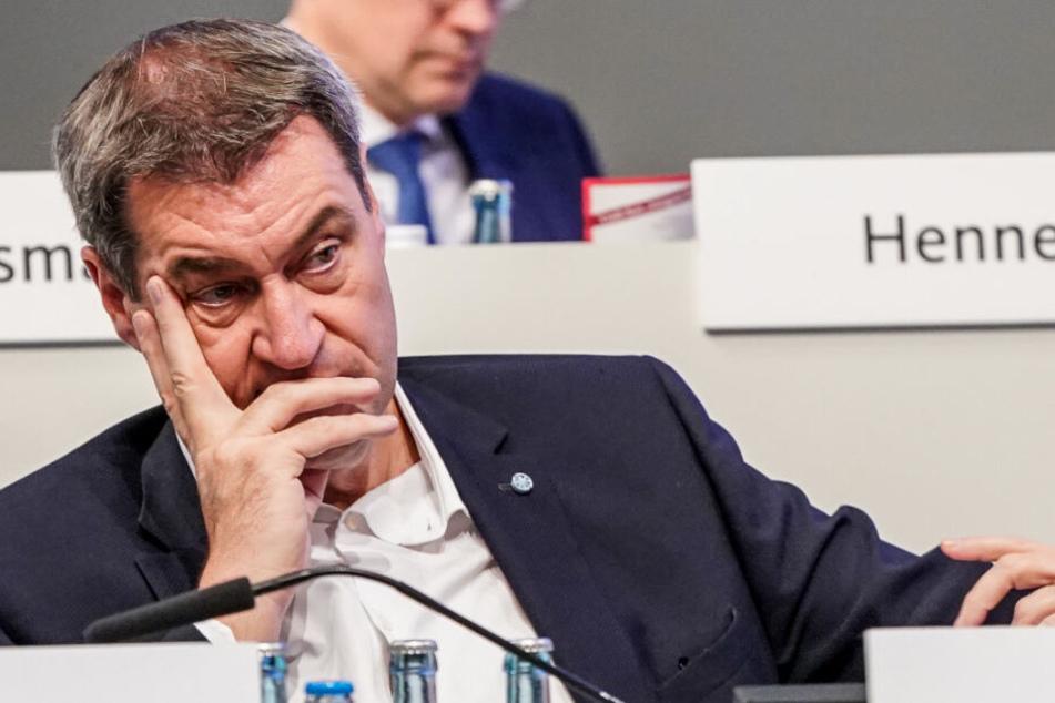 Damit hat er wohl nicht gerechnet: Auf seinen Tweet zum Bayerischen Autoforum folgte heftig Gegenwind für Markus Söder.