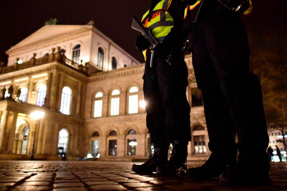 Die Polizei richtet in mehreren deutschen Städten in der Innenstadt eine Verbotszone für das Zünden von Feuerwerk ein.
