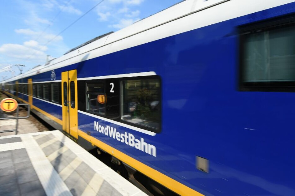 Nach Abmahnung: Nordwestbahn setzt Busse ein