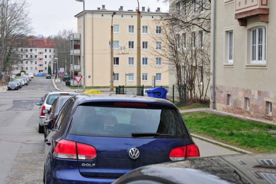Anwohner ertappt drei Autoknacker auf frischer Tat