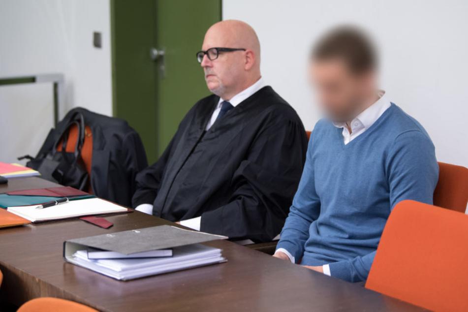 """Angeklagter im Prozess um verbrannte Leiche: """"Ich verabscheue mich selbst"""""""