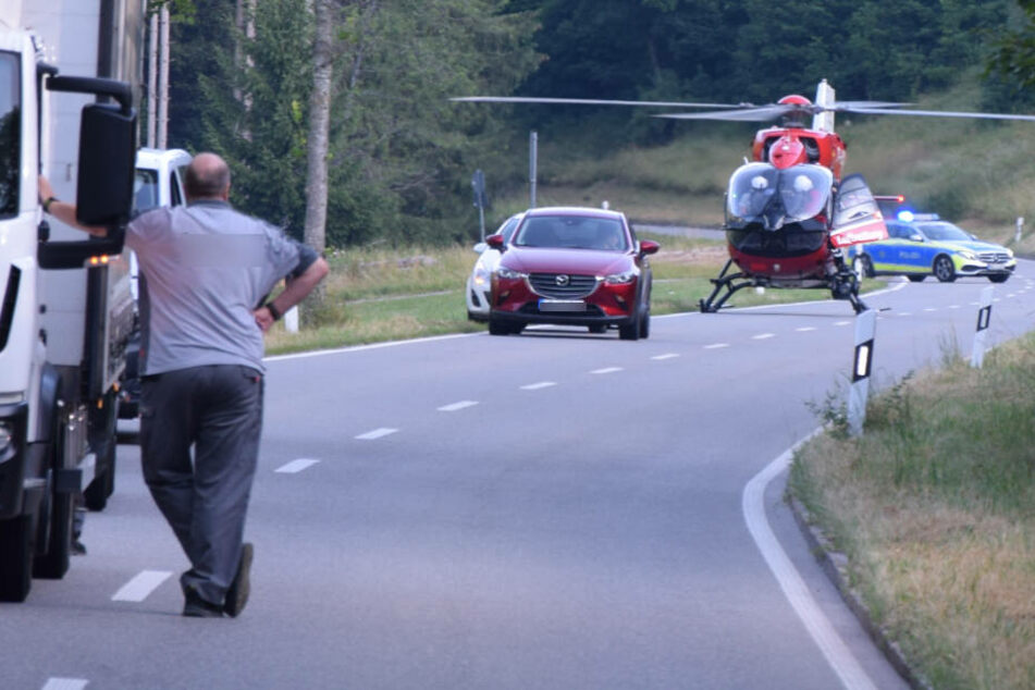Horror-Crash im Schwarzwald! Vier Menschen wurden verletzt, eine Frau kämpft um ihr Leben