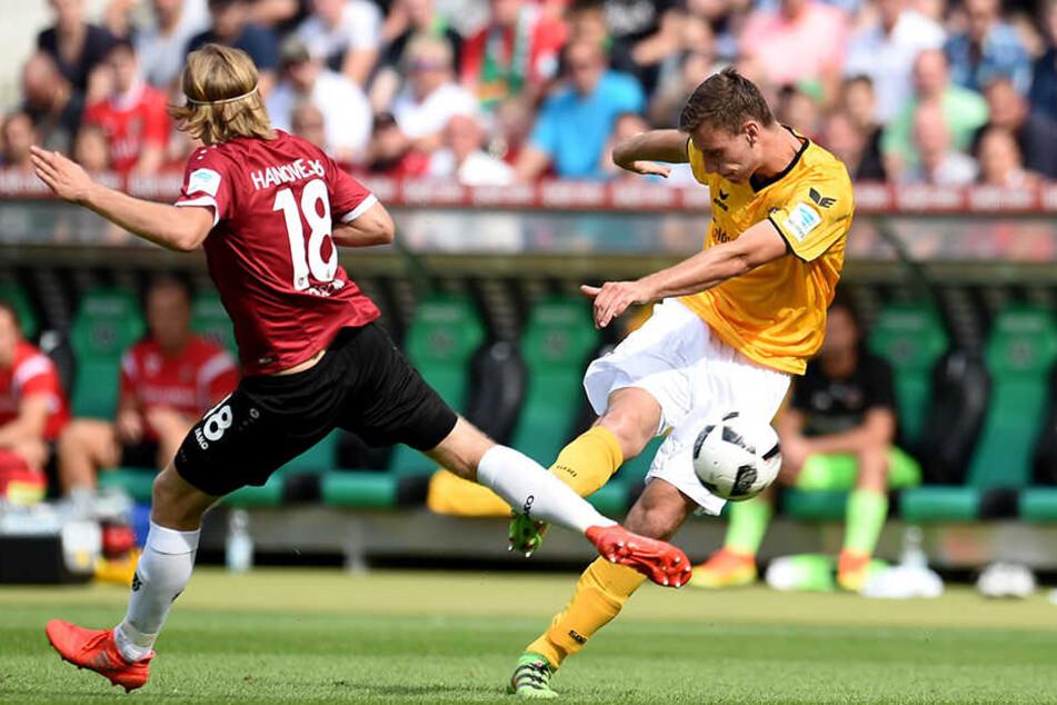 Hier zieht Florian Ballas ab, der Ball schlägt zum 2:0 im Hannoveraner Tor ein.