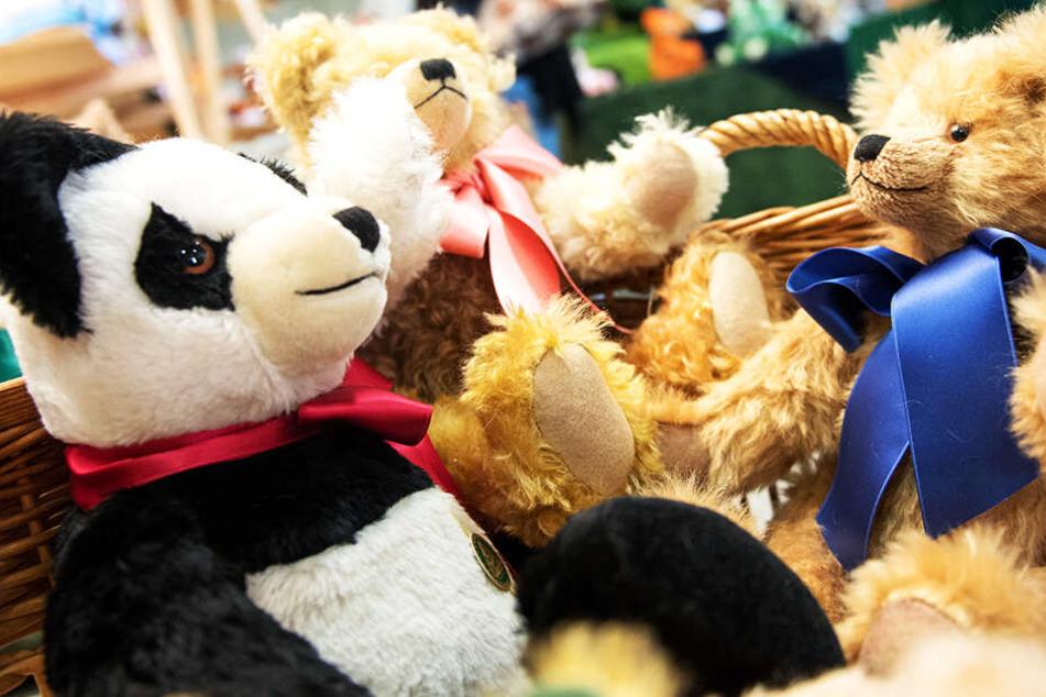 Für sein Plüsch-Teddy ging der kleine Noah einen besonderen Weg. (Symbolbild)