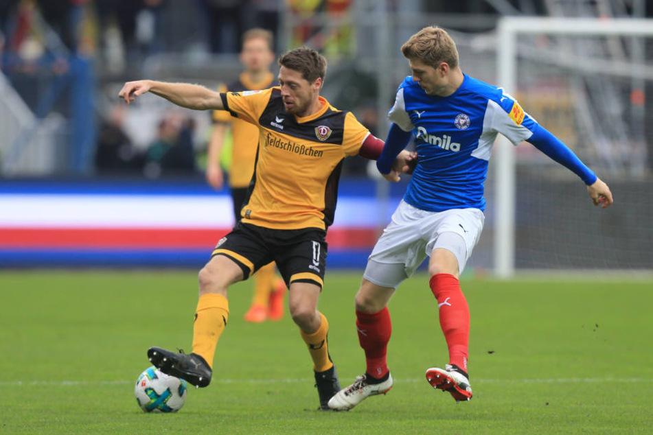 """Das Team um Kapitän Andreas """"Lumpi"""" Lambertz hatte in der ersten Hälfte vor allem bei den zweiten Bällen ein großes Problem."""