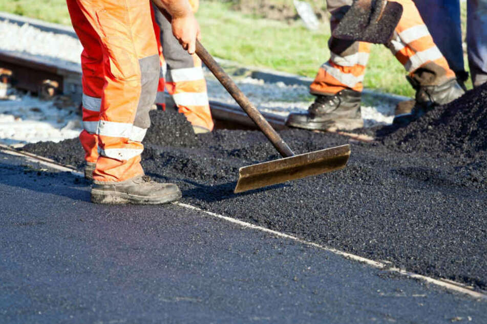 In der Gütersloher Straße finden Kanalarbeiten des Umweltbetriebes statt. (Symbolbild)