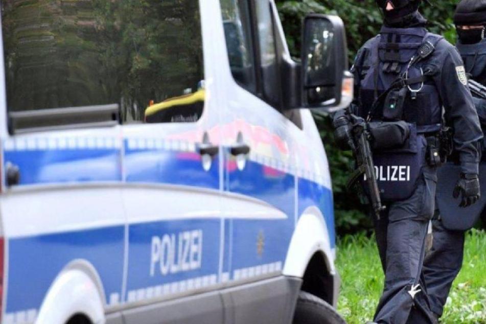 In Weilrod nahm ein Spezialeinsatzkommando den mutmaßlichen Täter fest. (Symbolbild)
