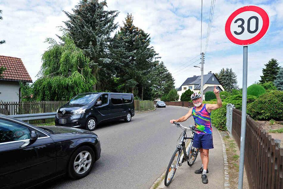 Jürgen Nestler (71) wünscht sich für den Verkehr in Glösa durchgehend Tempo 30.