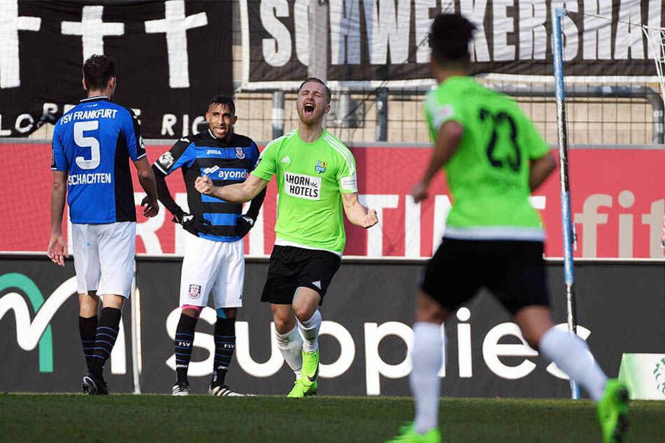 Großer Jubel beim Torschützen zum 2:0: Björn Jopek.