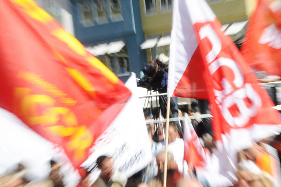 Der DGB ruft an vielen Orten in Hessen zu Kundgebungen auf (Symbolbild).