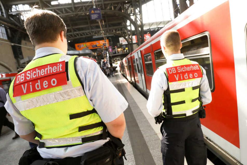 Sicherheitsmitarbeiter der Bahn wurden von einem betrunken Mann bedroht. (Symbolfoto)