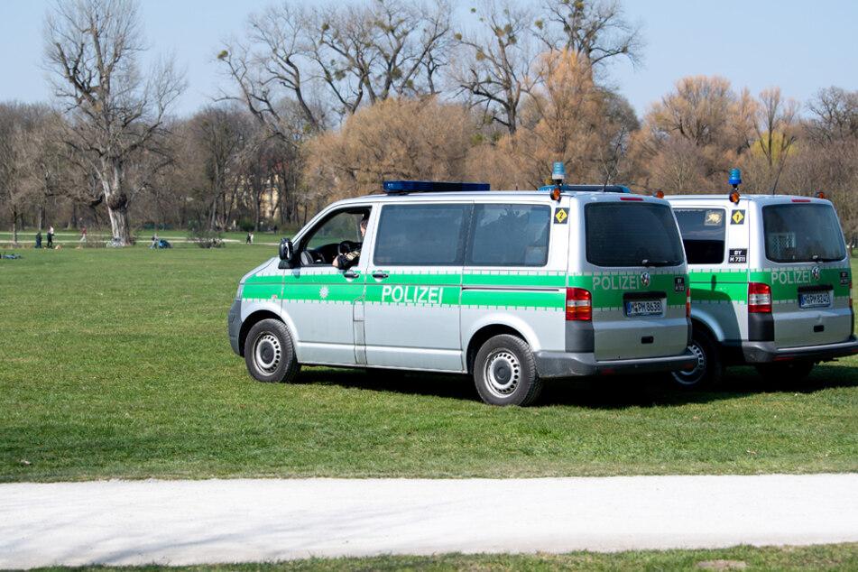 Die bayerische Polizei wird Schwerpunktkontrollen und Aktionen zur Überwachung der Einhaltung von Infektionsschutzvorgaben durchführen. (Archiv)