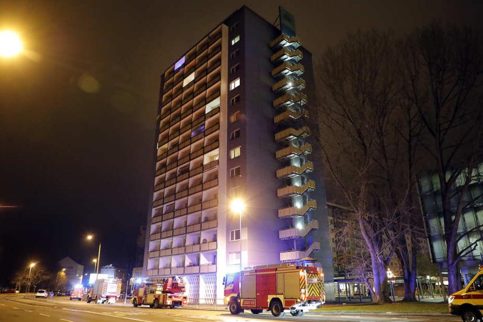 Gegen 2 Uhr wurde in dem Hochhaus am Rosenhof der Brandalarm ausgelöst.