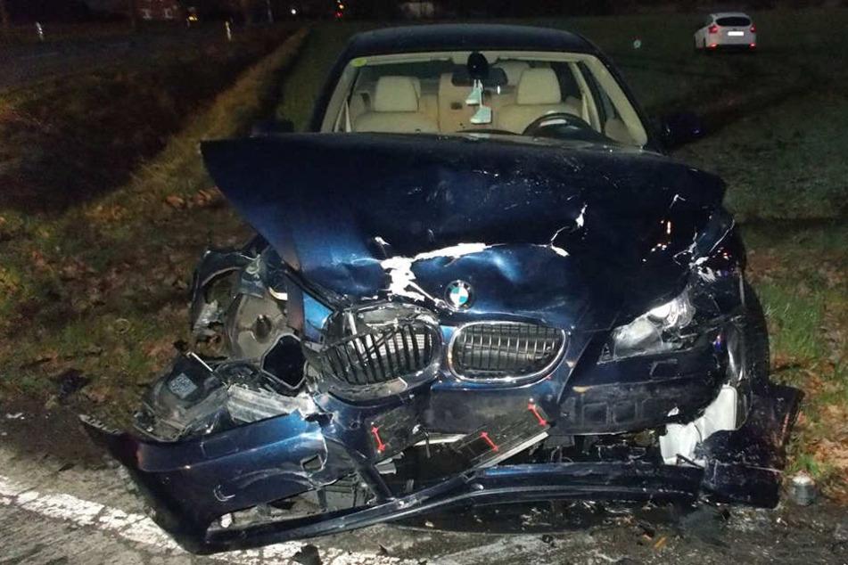 Der BMW war nach dem Unfall nur noch Schrott.