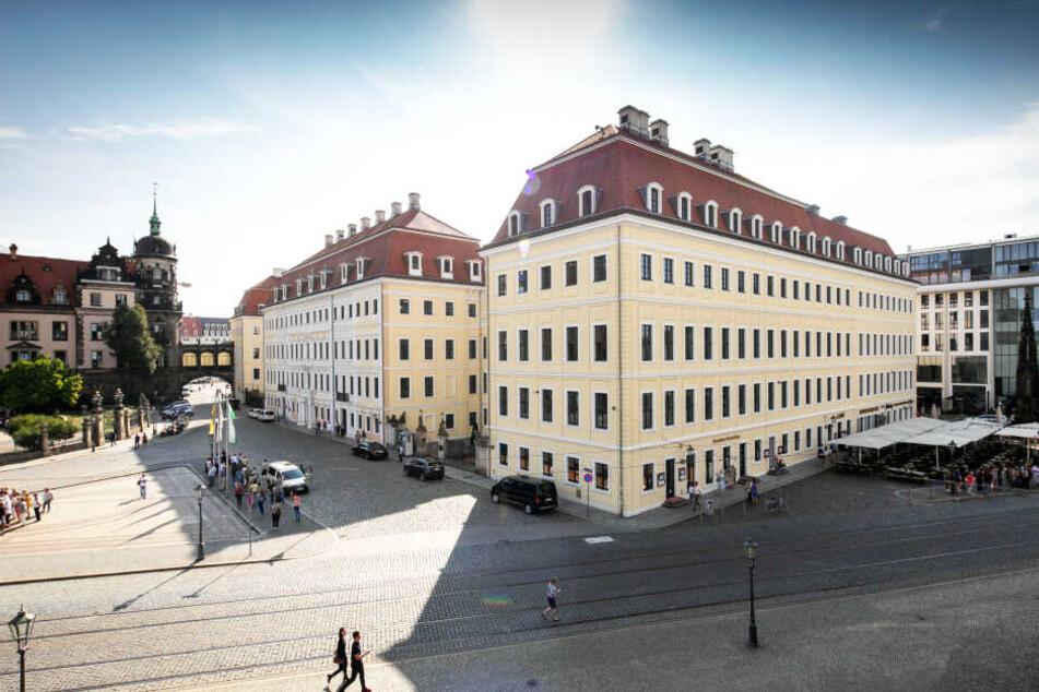 Im Innenhof des Taschenbergpalais Hotels von Kempinski befindet sich ebenso eine Eislaufbahn.
