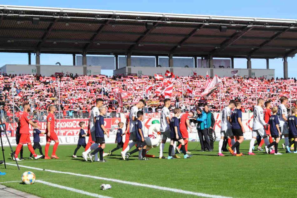 Durchschnittlich 6250 Besucher zählten der FSV Zwickau in den bisherigen sieben Heimspielen.