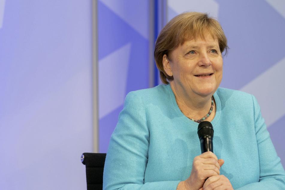 Angela Merkel (66, CDU) will den Menschen in den Hochwassergebieten helfen.