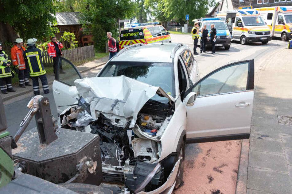 Der 78-jährige Fahrer des Autos starb bei dem Unfall.