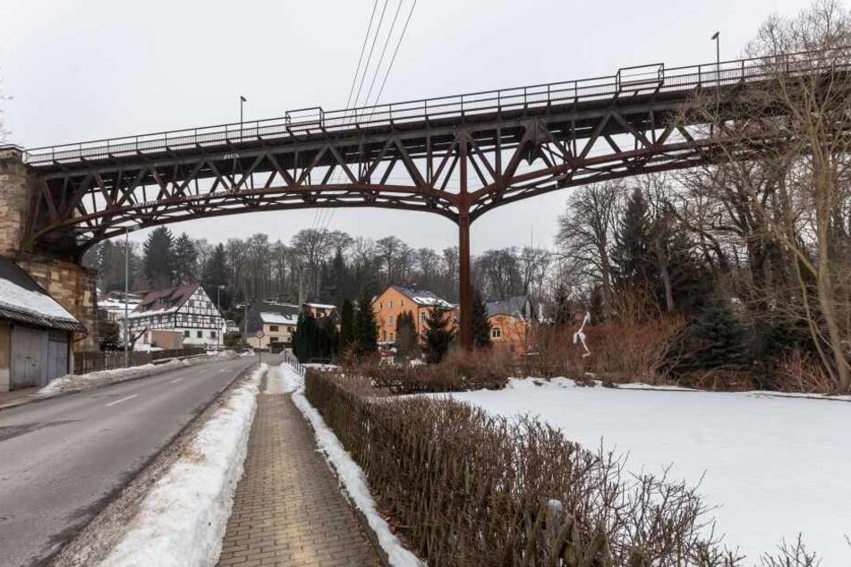 Das Rabensteiner Viadukt über die Oberfrohnaer Straße ist 122 Jahre alt und soll ab 2020 saniert werden.