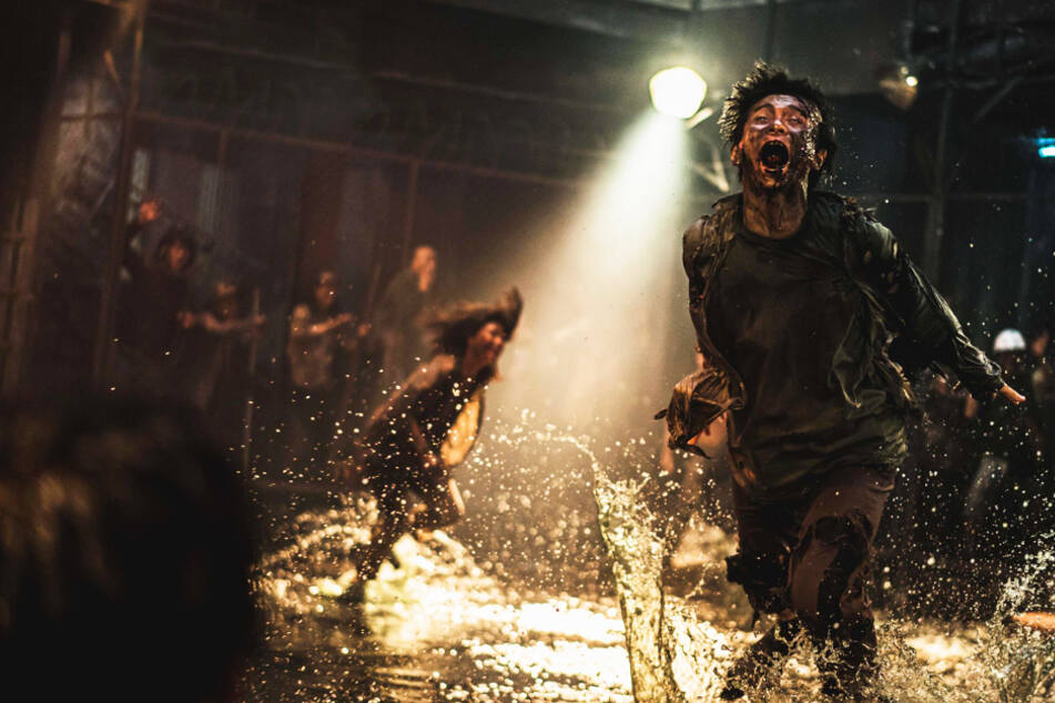 """""""Train to Busan: 2: Peninsula"""": Ultra-brutaler Zombie-Reißer ist ein echter Schocker!"""