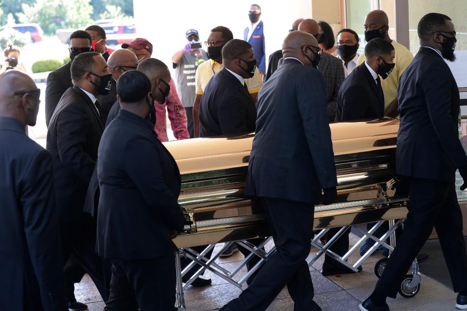 Vor Beerdigung von George Floyd (†46): Gesetz gegen Polizeigewalt gefordert