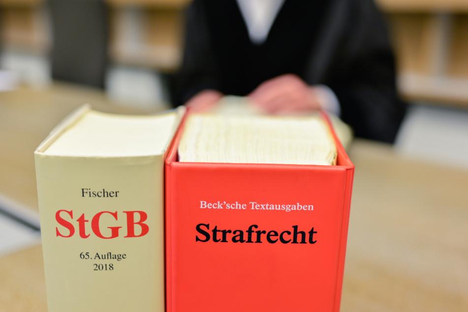 Das Landgericht Mannheim verkündet am Mittwoch sein Urteil in einem Fall, bei dem Stalking für eine 33-jährige Frau tödlich endete. (Symbolbild)