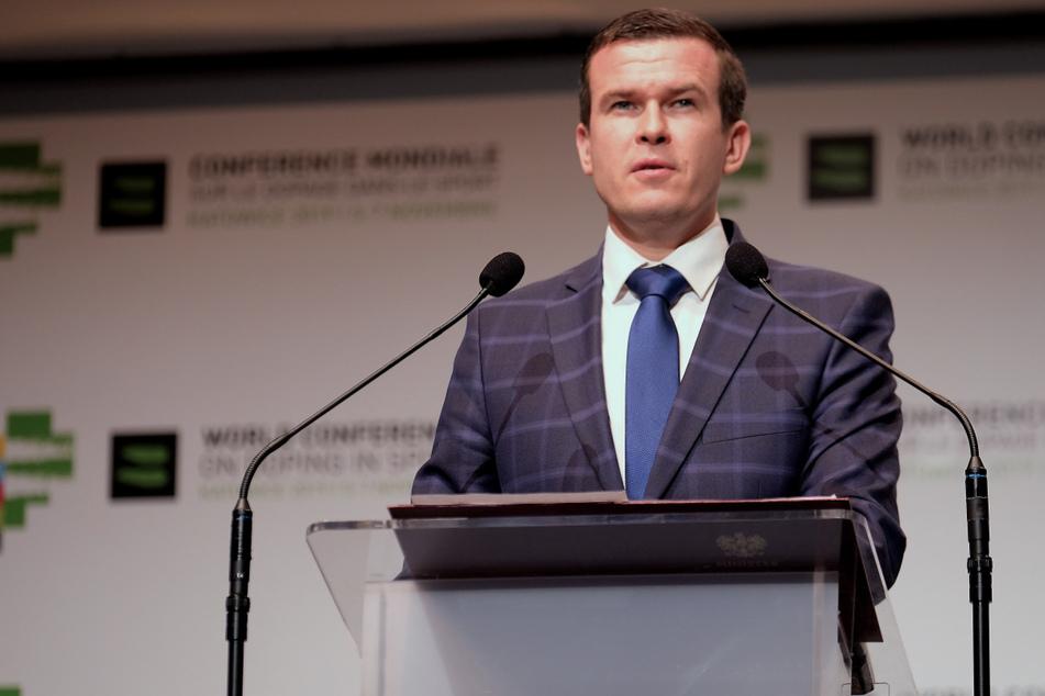 Wada-Präsident Witold Banka (35) spricht bei bei einer Pressekonferenz während der Welt-Anti-Doping-Konferenz im November 2019.