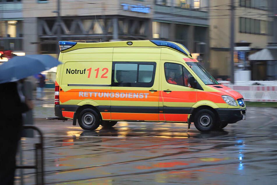 Der Mann kam schwer verletzt ins Krankenhaus.