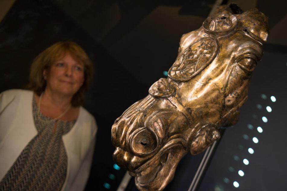 Nach Rechtsstreit: Historischer Bronze-Pferdekopf wird ausgestellt, doch etwas ist faul