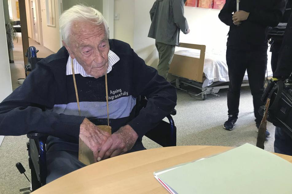 Der 104-jährige Australier David Goodall wollte wegen seiner Altersgebrechen nicht mehr länger leben und war in die Schweiz gereist, wo Sterbehilfe erlaubt ist.