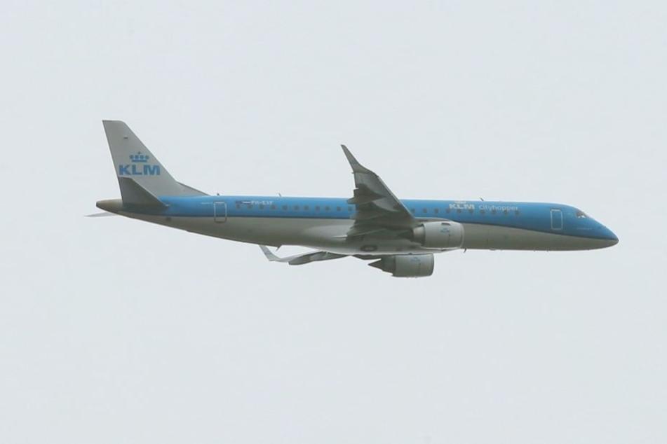 Die KLM-Maschine aus Amsterdam ist zu Trainingszwecken in Dresden.