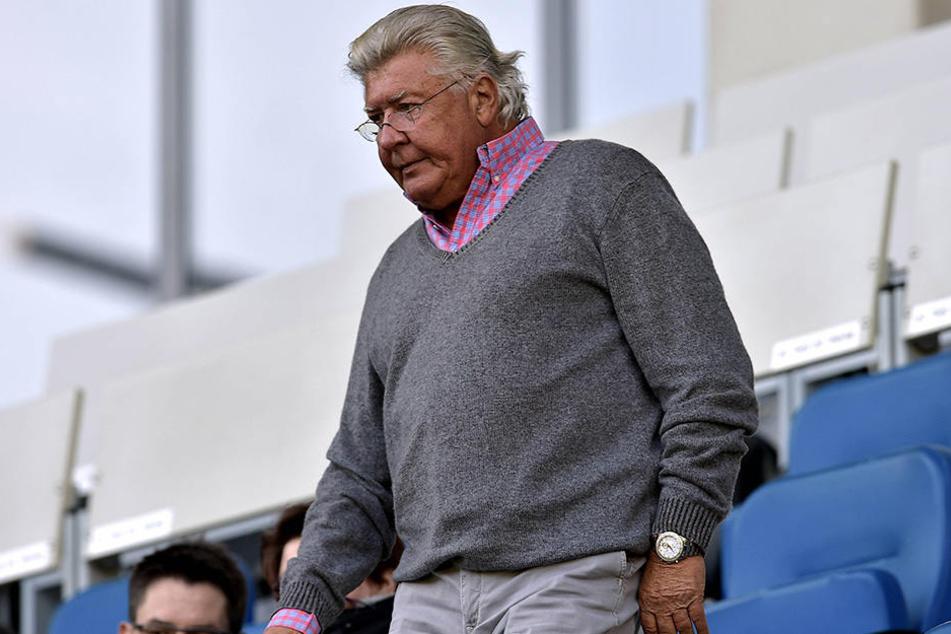 SCP-Präsident Wilfried Finke hat mächtig Druck, denn der Verein taumelt stark der Insolvenz entgegen.