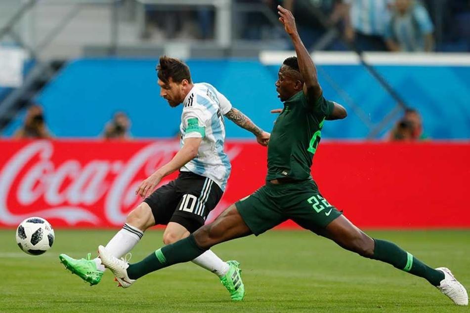 Lionel Messi trifft zum 1:0 für Argentinien.
