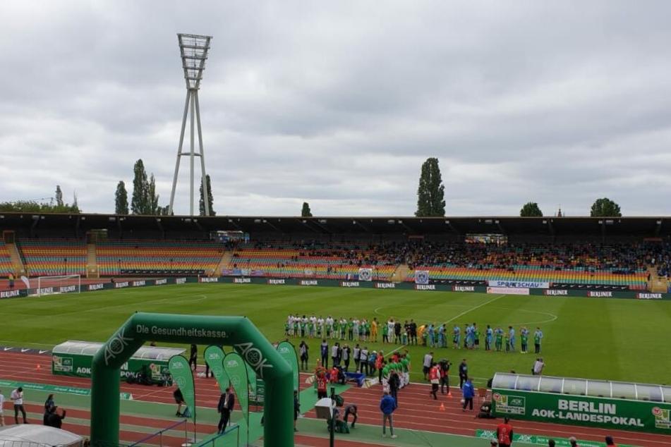Das Berliner Pokalfinale im Jahn-Sportpark lockte nicht all zu viele Zuschauer ins Stadion.