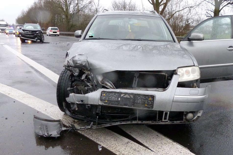 Der Toyota krachte in den VW eines 54-Jährigen.