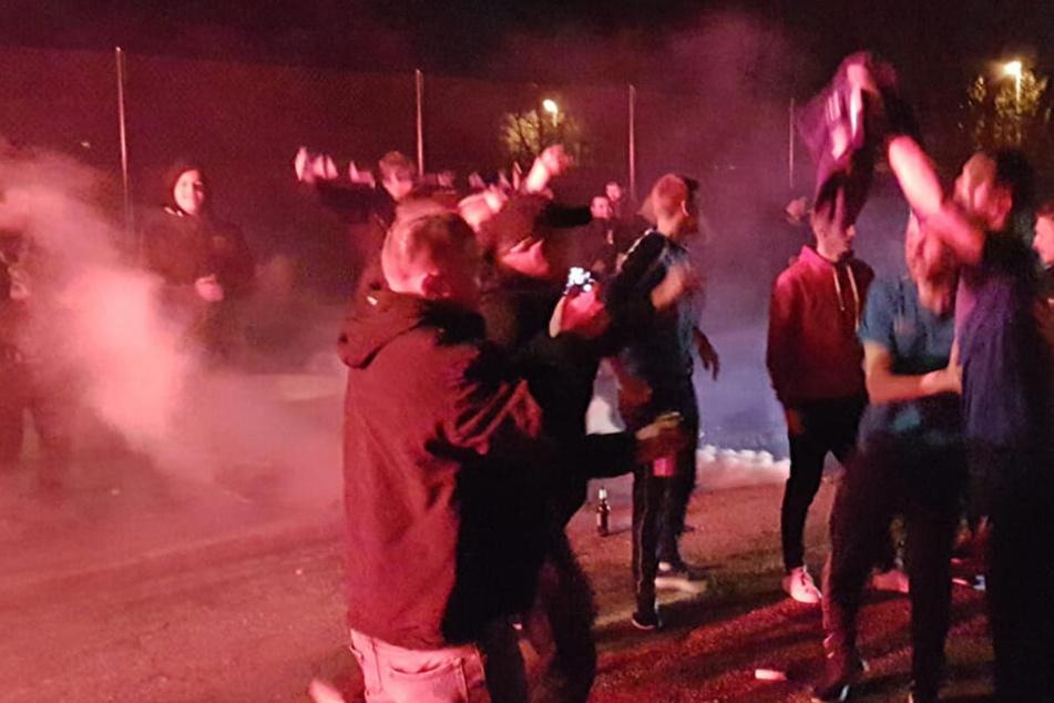 Die Fans feierten ausgelassen den Erfolg des CFC.