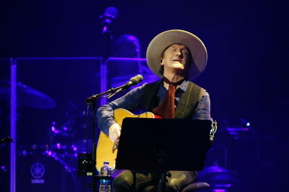 """Neben cooler Rocker-Attitüde zeigte sich der Musiker auch emotional zu Songs wie """"Weil ich dich liebe""""."""