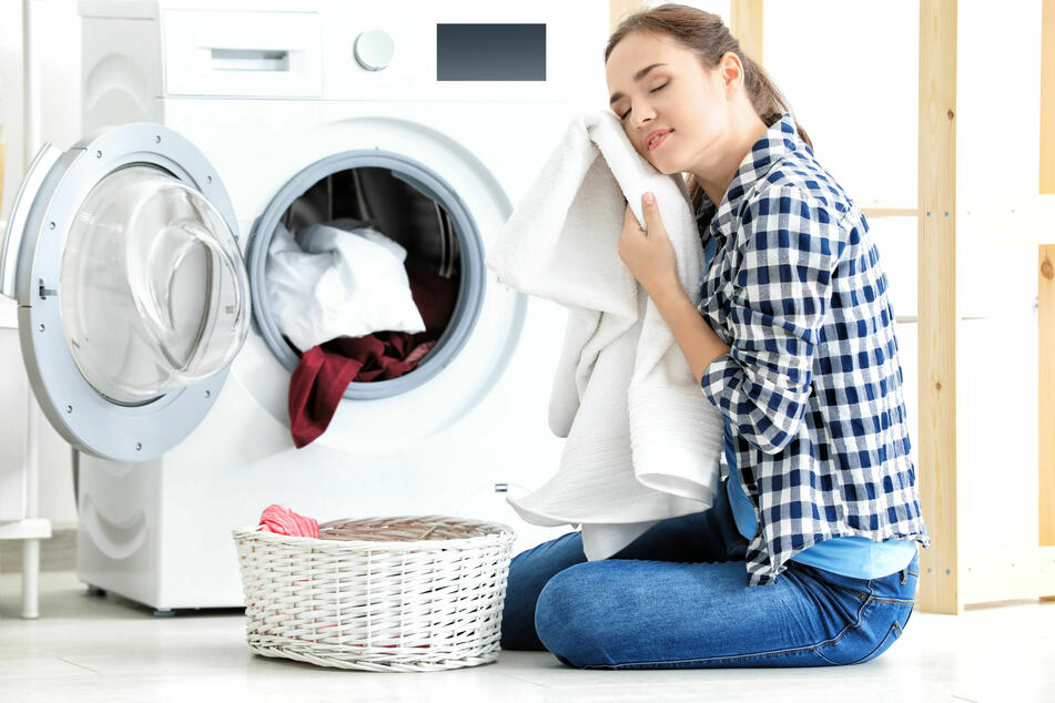 Für eine kuschelig weiche Wäsche gibt es Alternativen zum herkömmlichen Weichspüler.