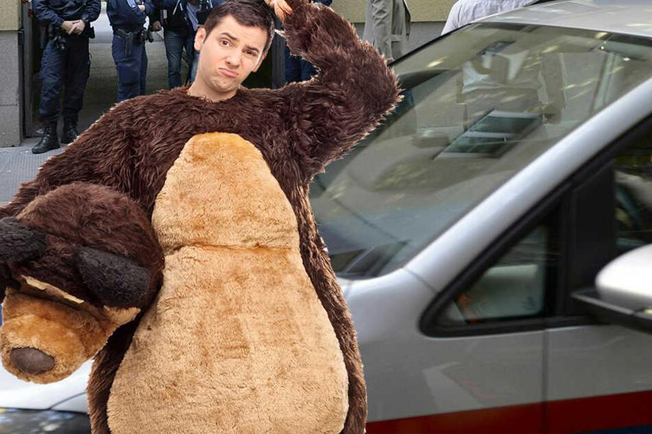Kein Bärenkostüm, dafür aber ein Haikostüm. In Österreich bekam jetzt ein Mann während einer Werbeaktion Ärger mit der Polizei. (Symbolbild)