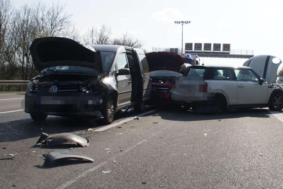 Unfall-Chaos auf Autobahn: A81 voll gesperrt!