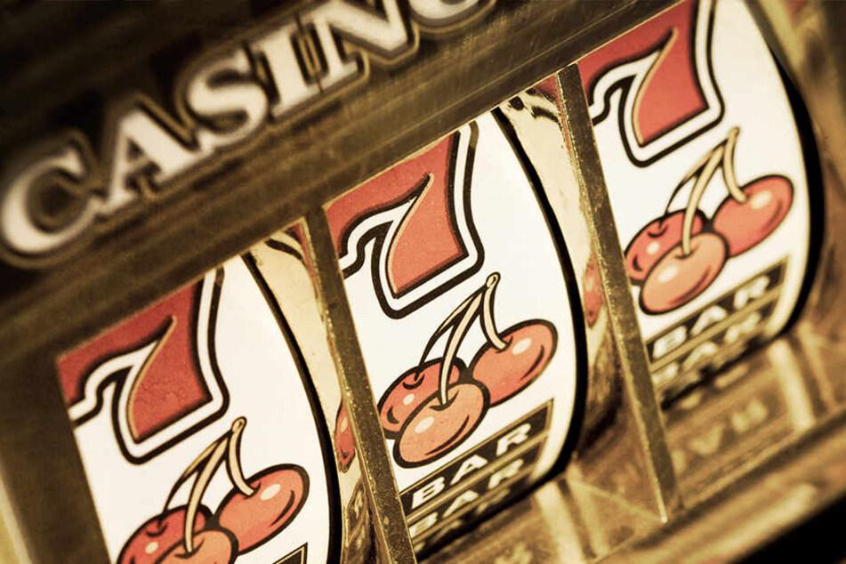 Das Vermögen ihres Geliebten verprasste sie in einem Casino. (Symbolbild)