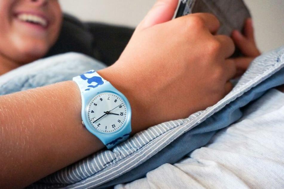 Die poppig-bunte Swatch ist nur das bekannte, aber nicht wichtigste Standbein des weltgrößten Uhrenherstellers.