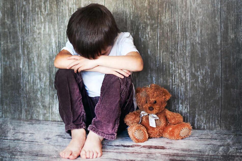Ein siebenjähriger Junge ist in der indischen Millionenmetropole Hyderabad entführt und vergewaltigt worden.